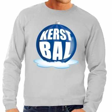 Foute kerstkersttrui kerstbal blauw op grijze sweater voor heren