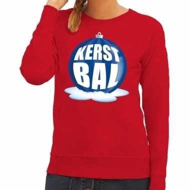 Foute kerstkersttrui kerstbal blauw op rode sweater voor dames