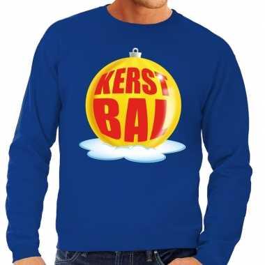 Foute kerstkersttrui kerstbal geel op blauwe sweater voor heren