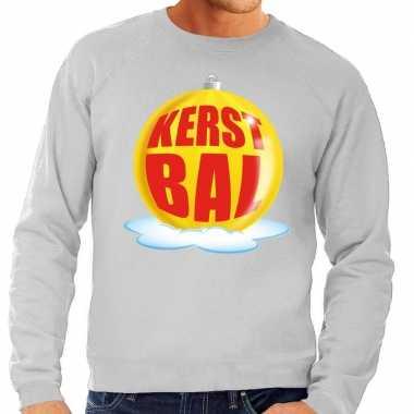 Foute kerstkersttrui kerstbal geel op grijze sweater voor heren