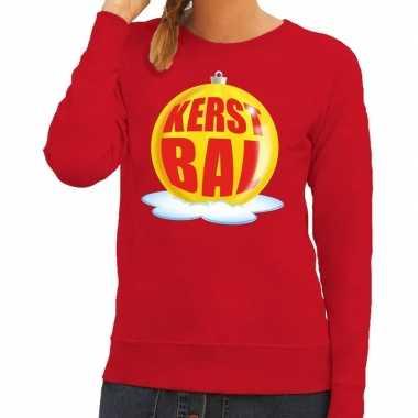 Foute kerstkersttrui kerstbal geel op rode sweater voor dames
