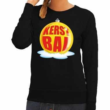 Foute kerstkersttrui kerstbal geel op zwarte sweater voor dames