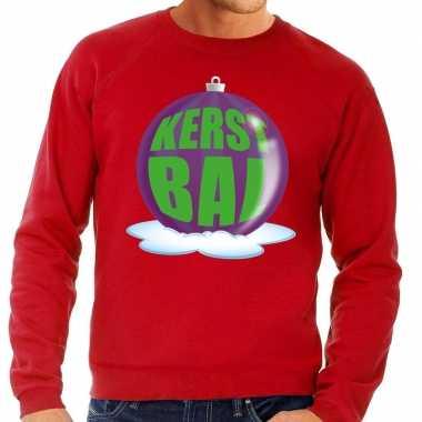 Foute kerstkersttrui kerstbal paars op rode sweater voor heren