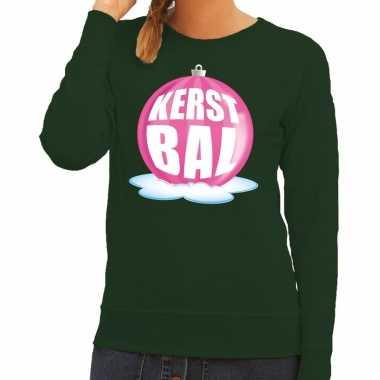 Foute kerstkersttrui kerstbal roze op groene sweater voor dames