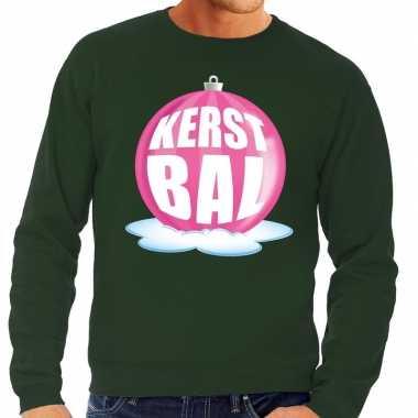Foute kerstkersttrui kerstbal roze op groene sweater voor heren